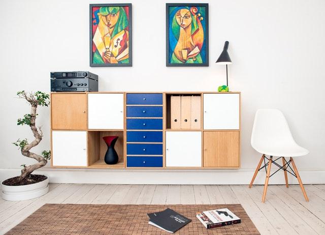 Štýlový interiér a masívny nábytok