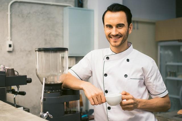 Kuchár, kávovar